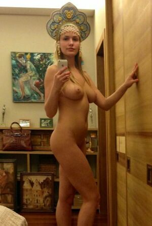 hot young blonde nude