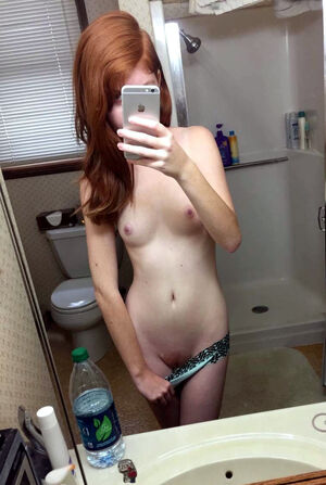 young nude selfie video