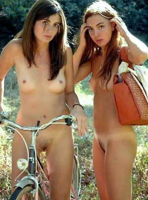 young teen girls naked