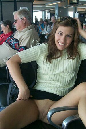 teen upskirt no panties